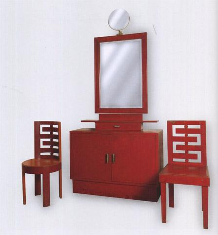 Cabinet et deux chaises pour la maison de Fiammetta Sarfatti
