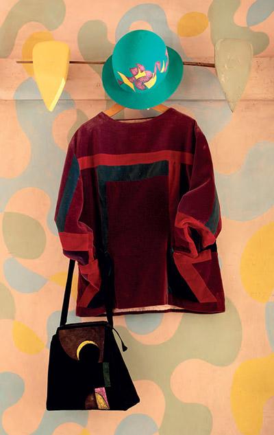 Blusa futurista con due tasche
